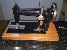 Rara Maquina De Costura Antiga Manual Carioca