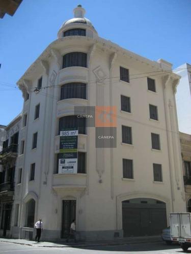 Edificio En Ciudad Vieja Frente A La Bolsa De Valores Con Renta!- Ref: 4946