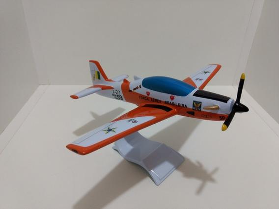 Maquete De Avião Em Resina Tucano T- 27 F A B- A F A (24 Cm)