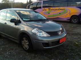 Taxi Ejecutivo Nissan Tiida 2011