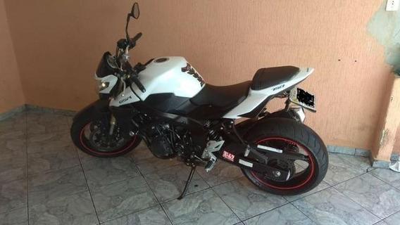 Vende Moto Suzuki Gsr 750