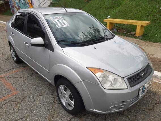 Fiesta Sedan 1.6 - 2010 - Completo - Prata