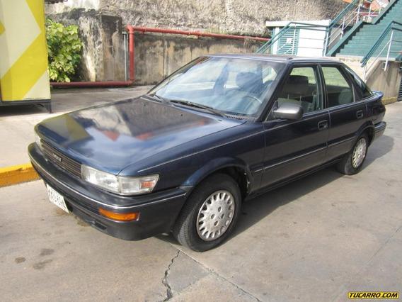 Toyota Sky 1992