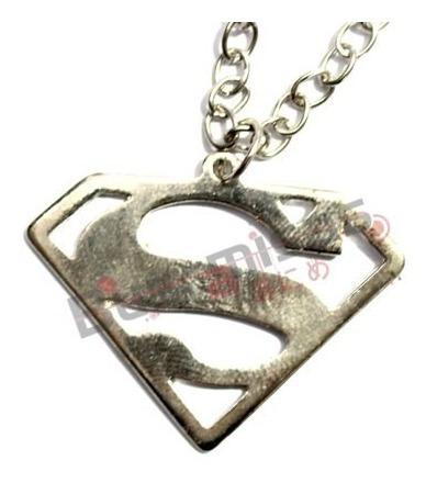 Colar Superman Classico Homem De Aço Origem Da Justiça Dc