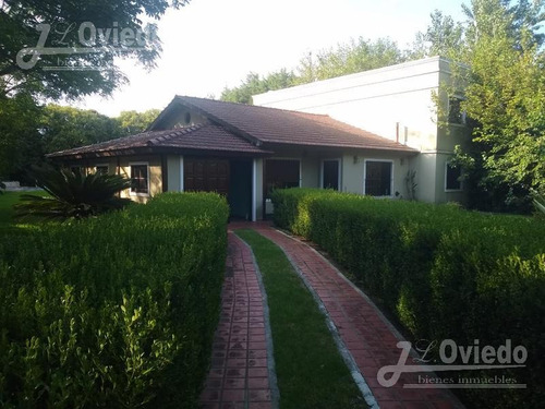 Hermosa Casa En Country En Pilar Con Pileta ****