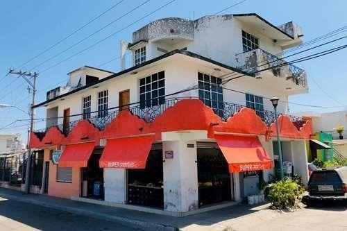 Casa En Venta En Valle Dorado Bahia De Banderas Con Locale Comercial Y Estudios De Renta.