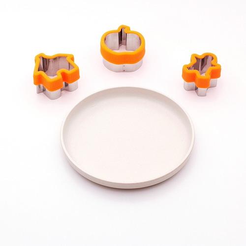 Imagem 1 de 4 de Kit 4 Com Pratinho + 3 Cortadores Divertidos - Gourmet Jr.