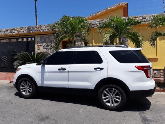 Ford Explorer Xlt 4x2 2013
