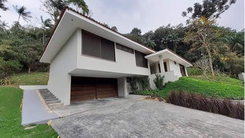 Imagem 1 de 12 de Otima Casa No Bairro América   300 M² De Area Construida   Terreno De 2.150 M² - Sa01986 - 69807516
