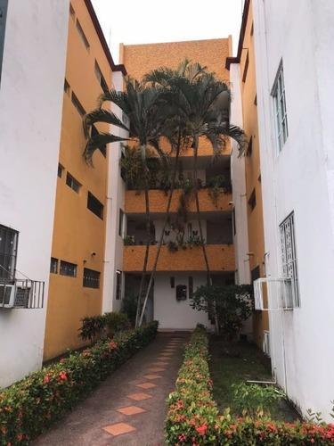 Residencial Apartamento En Renta Semi Amueblado