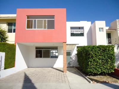 Renta Casa Amplia Centro Sur Privada Seguridad Alberca