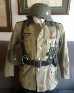 Antiguo Y Raro Uniforme Soldado Aleman Original 2gm (300v)