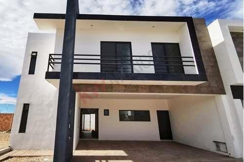 ¡nueva! Casa En Venta, Equipada, Cerrada Racimos, Viñedos, Torreón, Coahuila