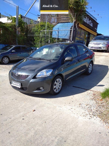 Toyota Yaris Full 1.5 2011 Impecable!