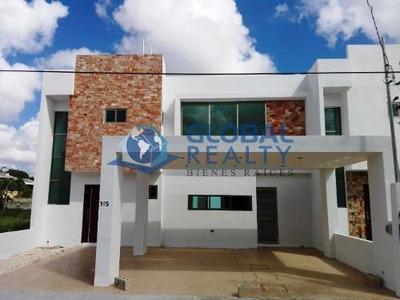 Casa En Venta, Cerca De Plaza Uptown Mérida. Cv-5678