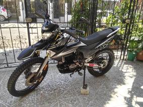 Moto 230 En Buen Estado