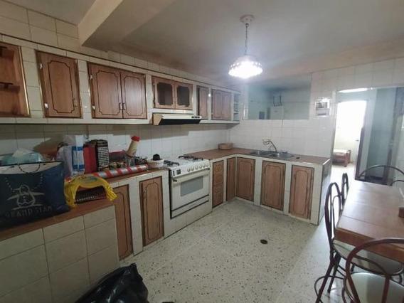 Apartamento En Alquiler Centro Barquisimeto 20-23811 Jcg