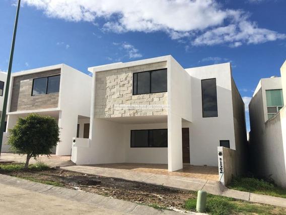 Casa En Venta 4 Recamaras Con Baño Propio - Fraccionamiento Barranca Del Refugio