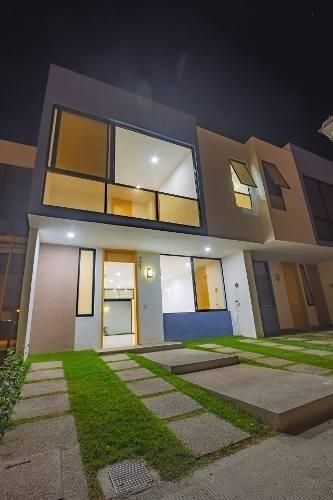 Casa En Pre-venta, Seguridad Y Alberca, Puerto Vallarta