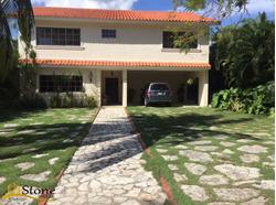 Hermosa Villa Ubicada En La Localidad De Juan Dolio