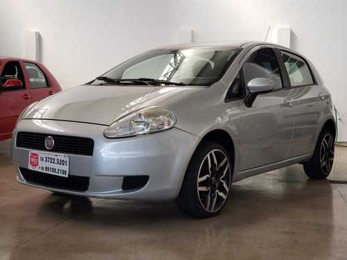 Imagem 1 de 6 de Fiat Punto 1.4 Attractive 8v 2012