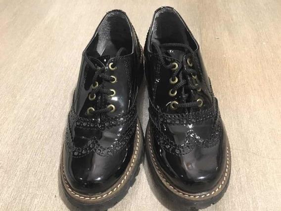 Zapatos Bajos De Charol Negro