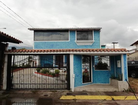 Casa En Urb. Tinajero - Las Lomas
