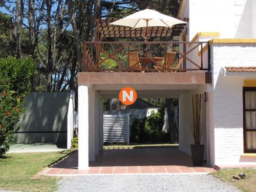 Casa En Venta Y Alquiler, Pinares, Punta Del Este, 4 Dormitorios.- Ref: 208042