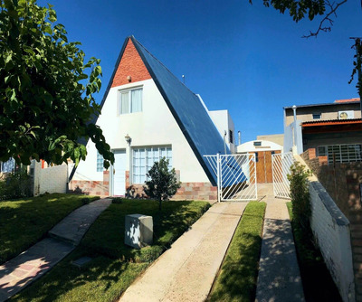 Se Vende Cabaña De Tres Dormitorios - Puerto Madryn