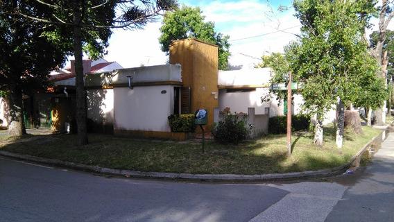 Casa Moderna En Pºbº, 3 Dormitorios, Parque Y Cochera-