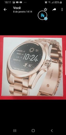Relógio Michael Kors Access Mkt5004 Dourado.