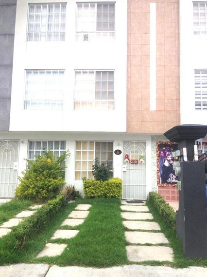 Casa De 4 Recamaras, 2 Baños Y Medio