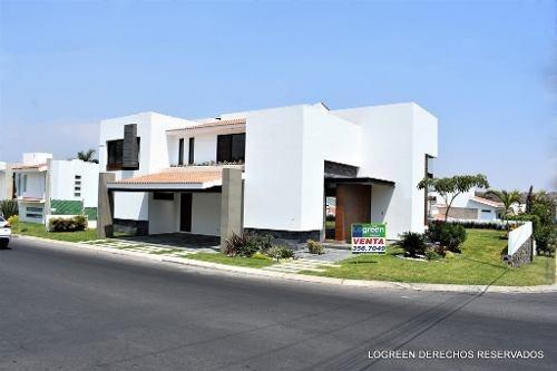 En Venta Preciosa Residencia Con Moderno Diseño, Buenos Acab