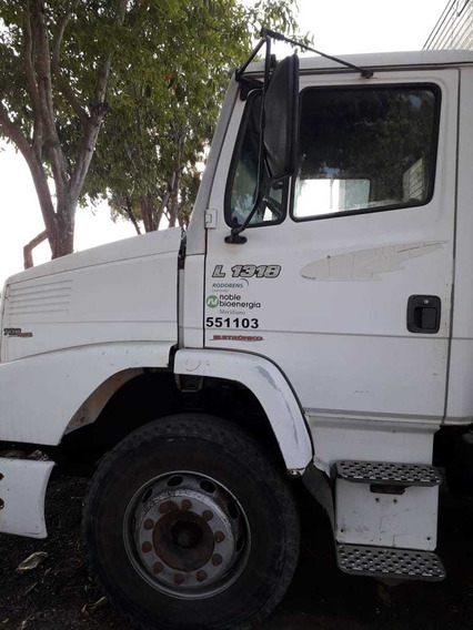 Mercedes-benz Mb 1318 4x2 No Chassi Ano 2010