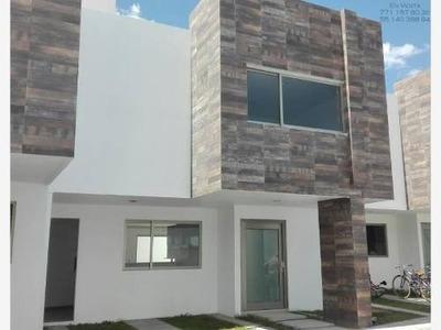 Casa Sola En Venta Privada San Antonio, Acceso Controlado, Excelente Ubicación Sur De Pachuca.