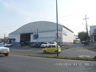 Bodega Comercial Excelente, Esquinera, Sobre Avenida Pcpal.