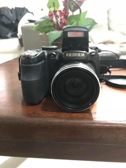 Câmera Fujifilm Finepix S2800 Hd Preta, 14mp