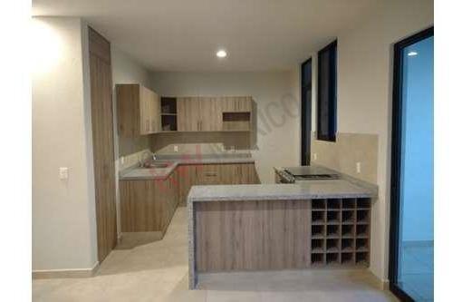 Casa Con Amplios Espacios Y Baño Completo En Sus 3 Recamaras