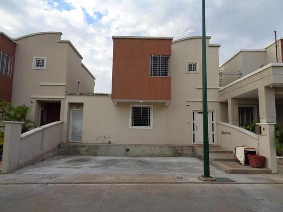 Casa En Venta Las Trinitarias Lara 20 6009 J&m 04245934525