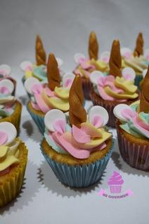 Mesa Dulce Unicornio 30 Personas Torta Cupcakes Cakepops Más