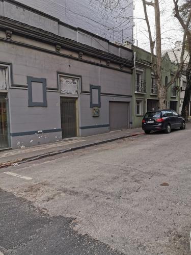 Imagen 1 de 10 de Venta De Local Pocitos 270 M2 Con Altura 30 Metros