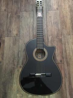 Guitarra Negra Con Brillo Acabado Deluxe Con Funda