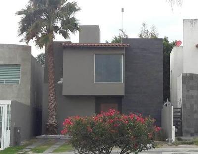 Casa En Venta, Punta Juriquilla.