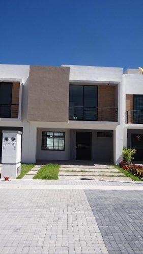 Venta De Casa En Residencial San Gerardo. Mod. Viena Amp. C/alcoba Coto 83