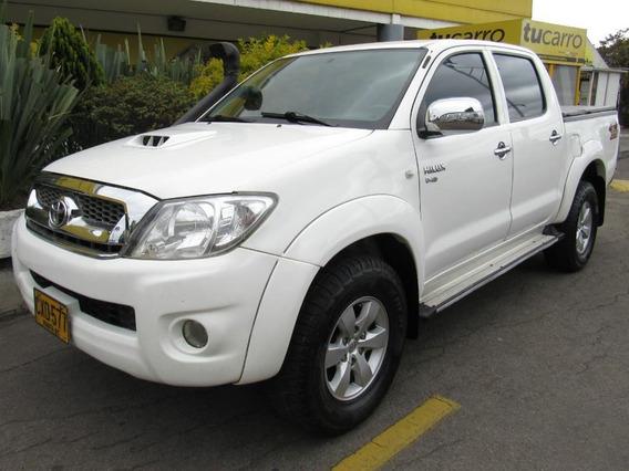 Toyota Hilux Vigo 3.0 At Diesel 4x4