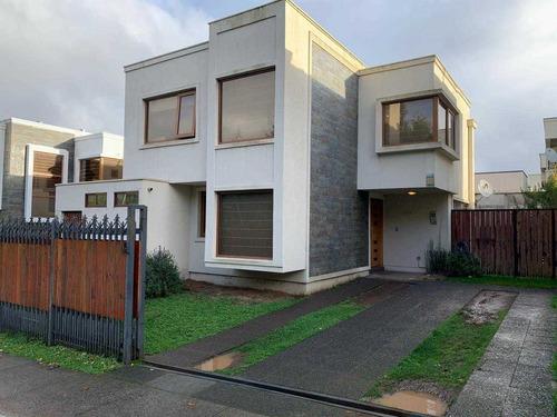 Cómoda Casa Sector Urbanistas