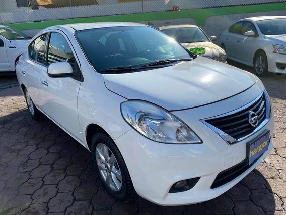 Nissan Versa 1.6 Advance Mt 2014 Blanco, Hangar Galerias