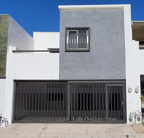 Casa En Renta Cumbres Puerta De Hierro, Privada Vista Real