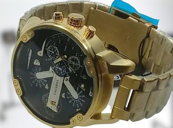 Relógio De Pulso Dourado Fundo Preto Lindo Cagarny
