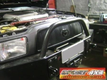 Imagem 1 de 4 de Tela De Proteção Toyota Hilux Mod. 02